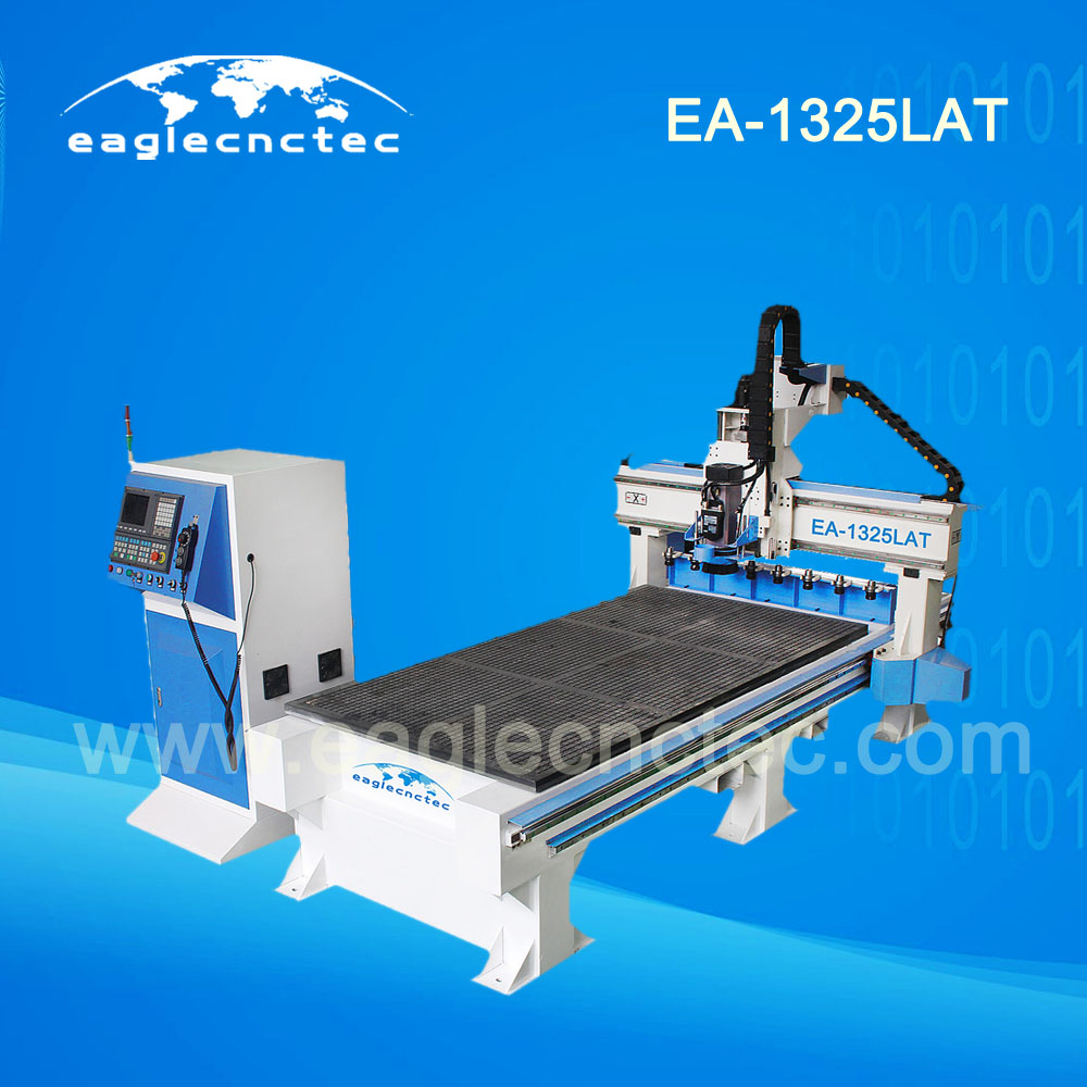 China Linear Auto Tool Changer CNC Router Machining Center